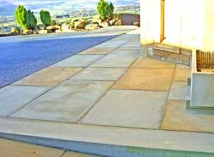 Sawn yorkstone paving in mixed sizes and colours